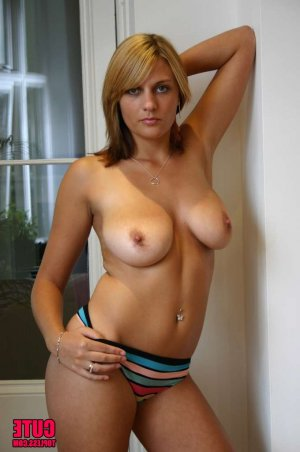 Mirka pregnant outcall escorts in Beachwood, NJ